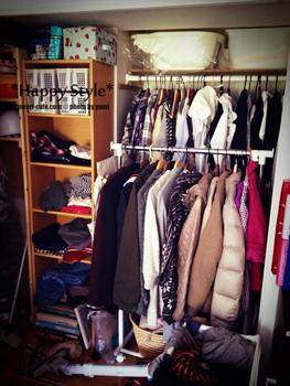 大量の洋服